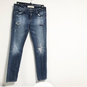 Abercrombie + Fitch. Distressed denim. 6R 28W